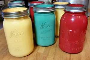 These painted Mason jars are super easy..with very little mess!