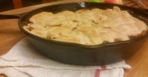Easy skillet apple pie. A quick apple dessert perfect with a scoop of vanilla ice cream.