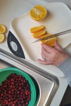 Super fresh and simple orange cranberries recipe.