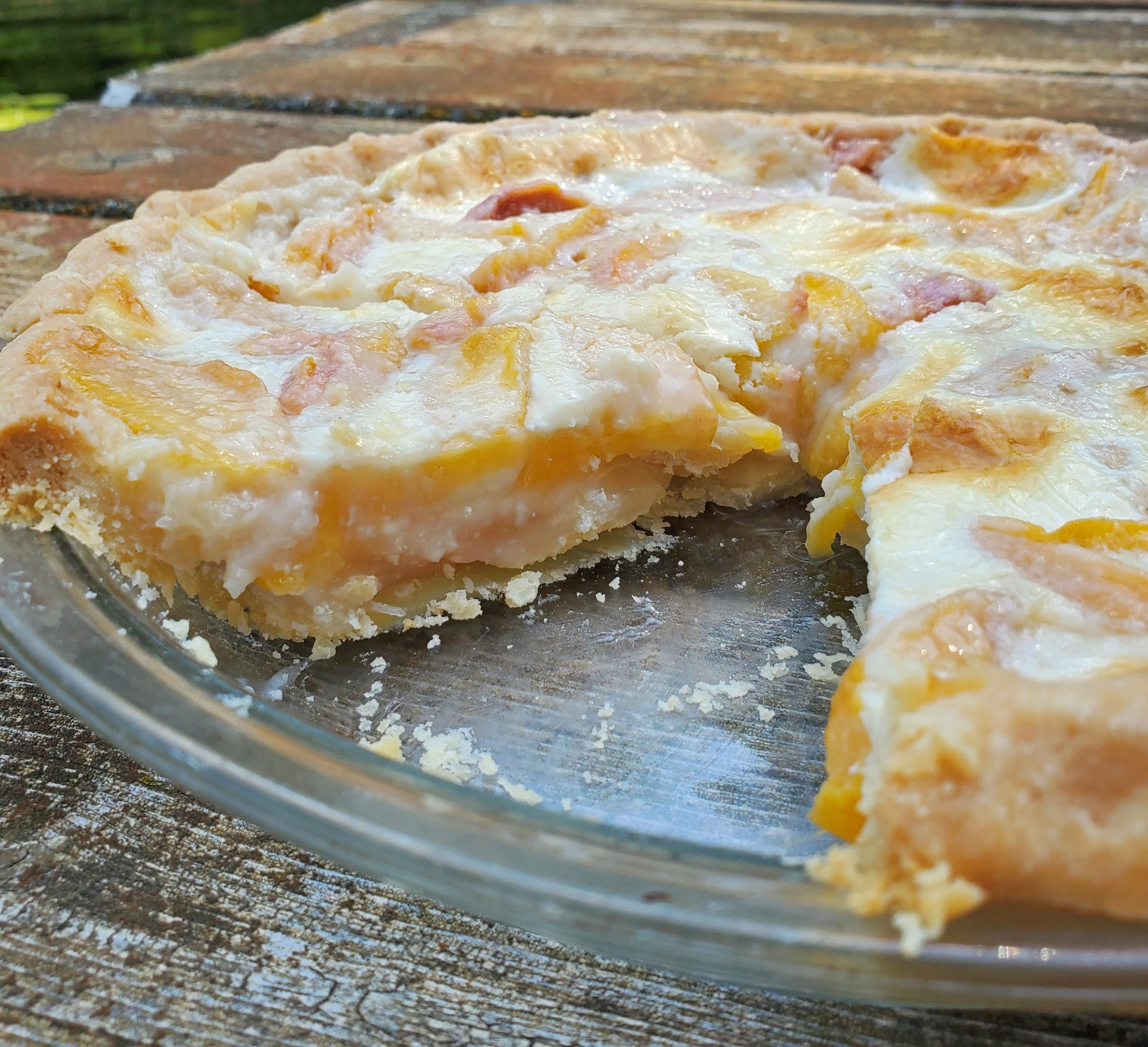 Old-Fashioned Peach Cream Pie: A Fresh and Decadent Bite of Summer
